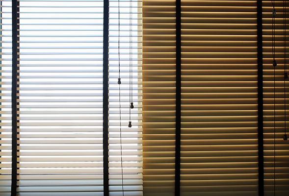 best blinds to keep heat out window blinds use curtains and blinds to keep the heat out ways in dubai